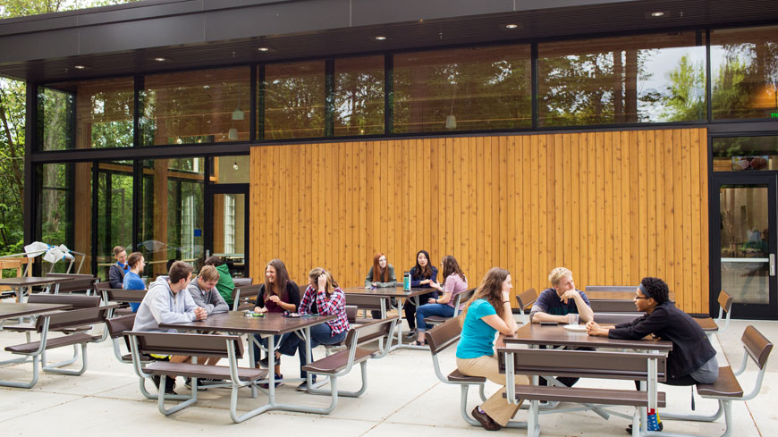 Canyon Commons dining hall