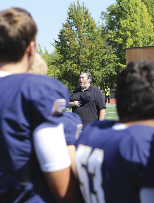 World-class baritone and George Fox alumnus ('83) Richard Zeller returned to his alma mater to perform the National Anthem.