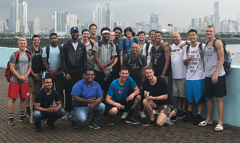 Men's Basketball team in Panama